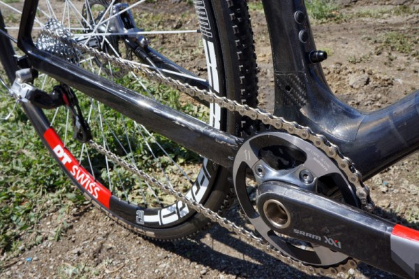 Prototype-2014-Giant-TCX-disc-brake-cyclocross-bike05-600x399