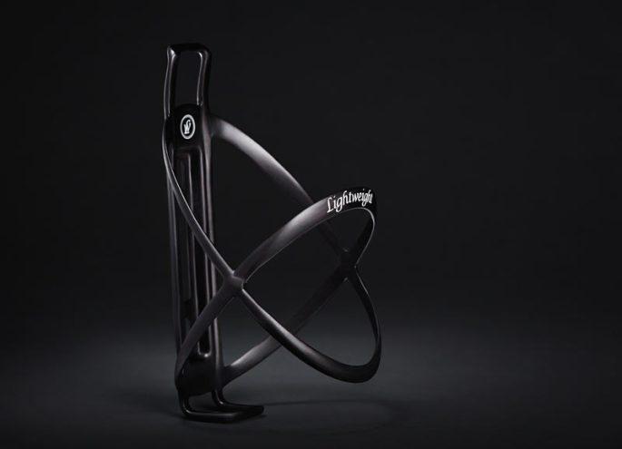 lightweight-edelhelfer-carbon-fiber-water-bottle-cage1