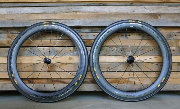 Mavic-CXR60-clincher-aerodynamic-road-tri-wheels01-600x364