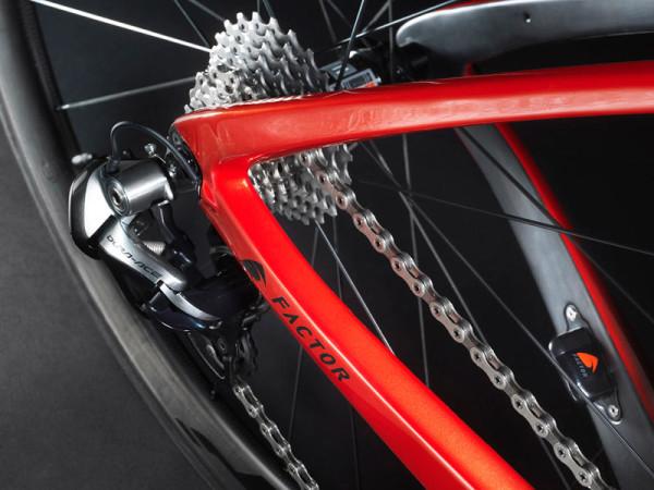 2014-Factor-Vis-Vires-road-bike-rear01-600x450