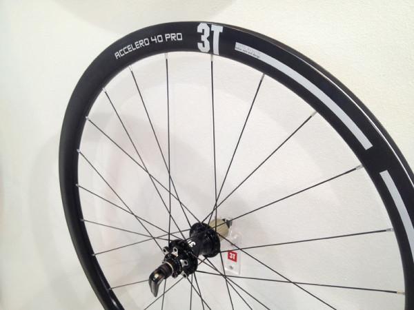 2014-3T-Accerlero-40-Pro-carbon-aero-disc-brake-road-wheels01-600x450