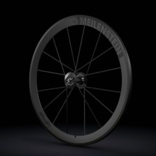 Lightweight_MEILENSTEIN_schwarzED-carbon-fiber-road-bike-wheels-600x430