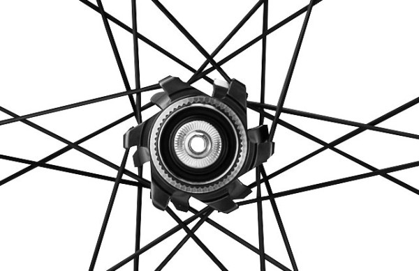 Shimano-WH-RX830-road-disc-brake-wheels-4-600x389