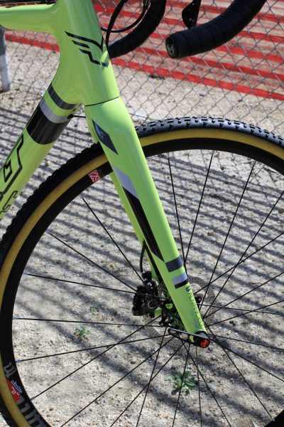 Felt-Disc-cyclocross-road-f2x-f1x-f3x-nine-frd-z2-disc-1-400x600