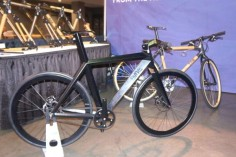 NAHBS2014-BME-Designs-stealth-fighter-city-bicycle01-600x399