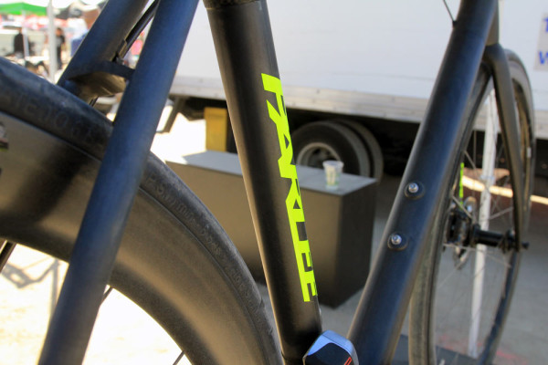 Parlee-Cycles-Z-Zero-road-bike-in-house-made-carbon-tubes3-600x400