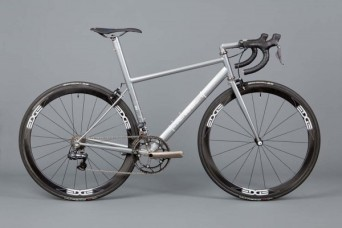 English-Cycles-Di2-Special-Road-Bike-Stealth-install1-600x400