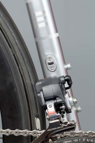 English-Cycles-Di2-Special-Road-Bike-Stealth-install3-399x600