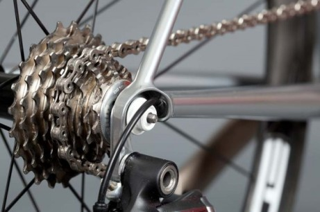 English-Cycles-Di2-Special-Road-Bike-Stealth-install5-600x399