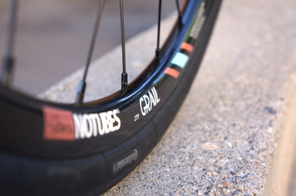 stans-notubes-grail-gravel-road-bike-rims-preview1-600x398