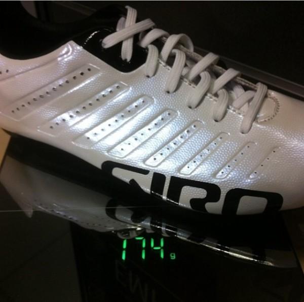 Giro-Empire-SLX-Actual-Weight-Scale-Shot-600x595