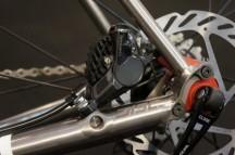 2015-Guru-Praemio-R-Disc-custom-titanium-road-bike06-600x399