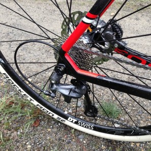Focus_Mares_Disc_carbon_cyclocross_bike_test_ride_skinwill_Rocket-Ron_RAT_thru-axle_dropout-297x297