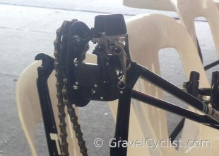 sram-red-wireless-electronic-road-group-spyshots-TDU06-600x427