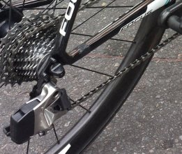 SRAM-Red-Wireless-electronic-road-shifting-group-closeup-2015-4-600x510