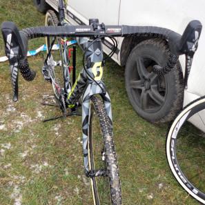 CX-Worlds_Marcel_Wilhaber_Scott-Addict-CX-SL_prototype_carbon_disc-brake_cyclocross_bike_cockpit-297x297