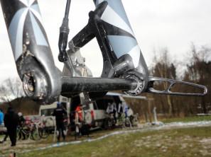 CX-Worlds_Marcel_Wilhaber_Scott-Addict-CX-SL_prototype_carbon_disc-brake_cyclocross_bike_thru-axle_hooded-fork-dropouts-297x222