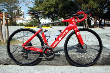 velocite-syn-aero-disc-brake-road-bike-2015-01-600x400