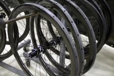 Zipp-202-303-disc-wheels-production-600x400