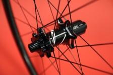 Zipp-disc-brake-202-303-clincher-tubular-20-600x400