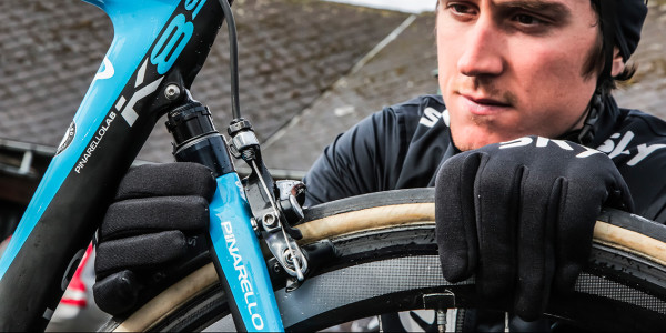 Pinarello-k8-s-suspension-road-bike-team-skye-2-600x300