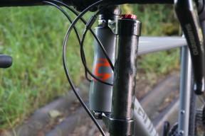 2016-Cannondale-Lefty-Oliver-for-Slate-gravel-road-bike-05-600x400