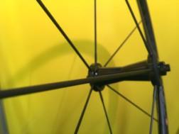 sapim-CX-carbon-fiber-spoke03-297x223