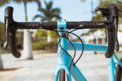 Campagnolo_Campy-Tech-Labs_road-disc-brake_sneak-peek_05_mechanical-levers-pair-600x400