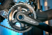 Shimano-XT-di2-electronic-shifting-drivetrain-mountain-bike-mtb-battery-wired-24-1-600x400