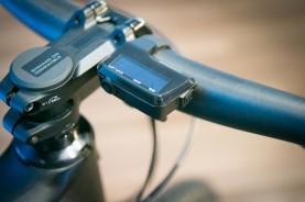 Shimano-XT-di2-electronic-shifting-drivetrain-mountain-bike-mtb-battery-wired-26-1-600x400