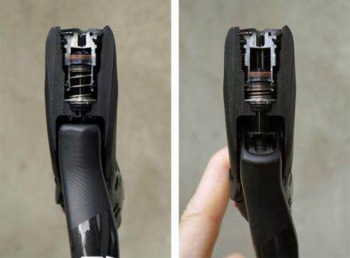 2017-sram-etap-hrd-disc-brake-road-group-brake-lever-detail02-600x442