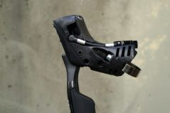 2017-sram-etap-hrd-disc-brake-road-group-brake-lever-detail03-600x400