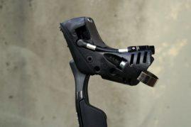 2017-sram-etap-hrd-disc-brake-road-group-brake-lever-detail03-600x400