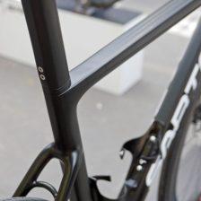 Sarto-Lampo-Disc-proto_custom-Italian-carbon-disc-brake-aero-road-bike_prototype-internal-hydraulic-stealth-routing_seat-mast-600x600