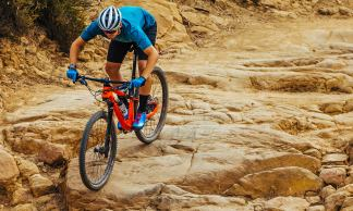 2019-Cannondale-Scalpel-Si-XC-bike-with-Lefty-Ocho-fork_Scalpel-Si-Carbon-3-trail-riding